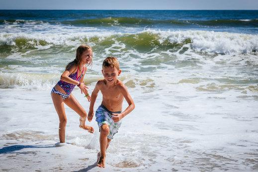 ¿Cómo prevenir la insolación en los niños pequeños?