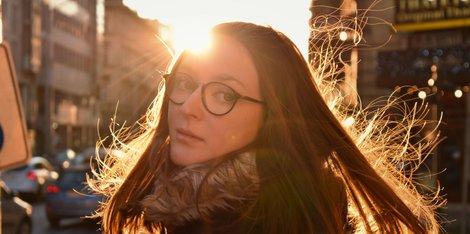 ¿Cómo cuidar la piel madura del sol?