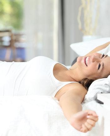 Cuidados nocturnos: ¿Qué hacer por nuestra piel durante la noche?