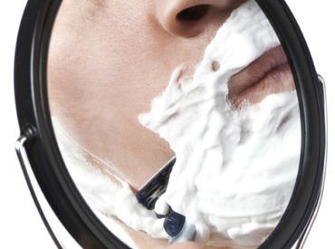 La afeitada: buenos hábitos para evitar los granos