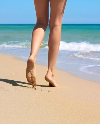 ¿Cómo evitar zonas rojas, irritación e inflamación al tomar sol?