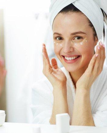 Hidratar la piel: también durante la noche