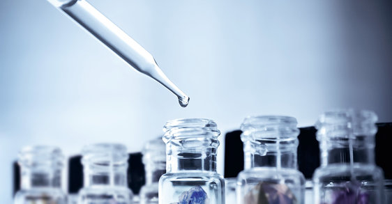 Cuidados minerales vs. antioxidantes: ¿Por qué los minerales son buenos para tu piel?