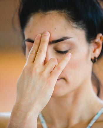 Yoga facial: ejercicios que ayudan a reducir las arrugas