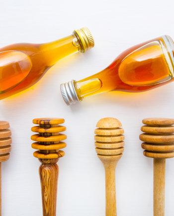 ¿Cómo la cera de abeja protege la piel?